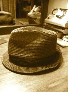 AC-skadad hatt