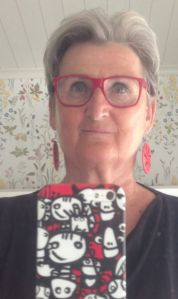 röda glasögonbågar